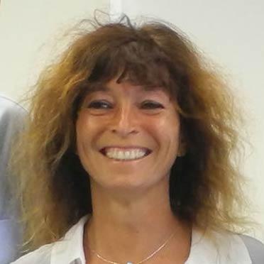 Dr Gyongyver Julia Kadas